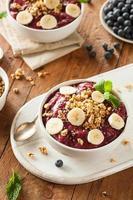 hälsosam organisk bär smoothie skål foto