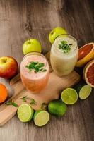 färsk ekologisk smoothie foto