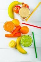 smoothiedag, tid för hälsosam drink foto