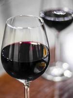 copas de vino tinto foto
