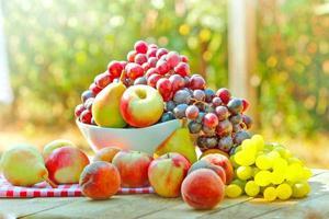 färska höstfrukter foto