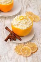 grädde apelsiner kanel foto