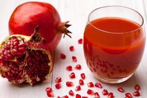 Granatäpple-juice foto