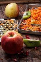 matlagning fruktsallad foto