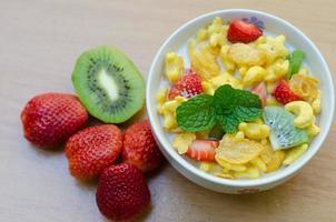 spannmål med frukt foto