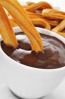 churros con choklad, ett typiskt spansk sött mellanmål