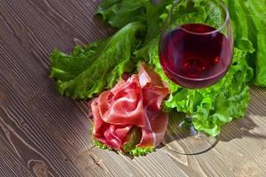 jamon och rött vin foto