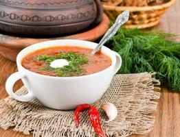 borsch, soppa från rödbetor och kål foto