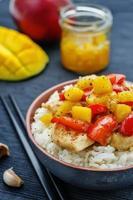 mango kycklinguppståndelse med ris