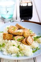 tofu och blomkål foto