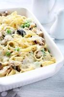pasta med ostsås foto