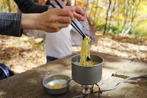 matlagning av ramen foto