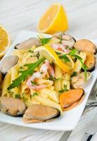 pasta med musslor foto