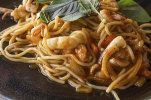 spaghetti med skaldjur foto