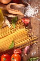 spaghetti och ingrediens foto