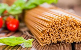 fullkornsspaghetti (närbild) foto