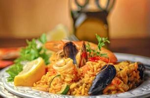 traditionell spansk paella foto