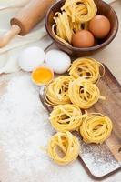 rå hemlagad pasta