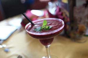 frukt smoothie med mynta