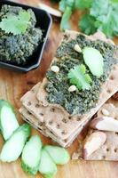 paté med nötter och koriander foto