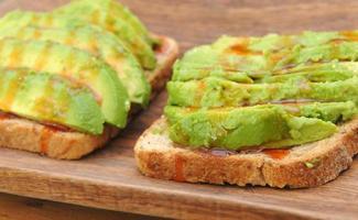 avokado smörgås början foto