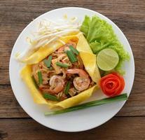 pad thai. thailändska stilnudlar foto