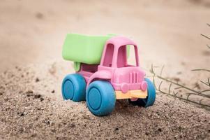 lastbil i sanden foto