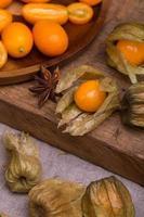 physalis och kumquat foto