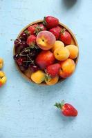 blandade sommarfrukter foto