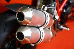motorcykel avgaser foto