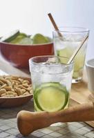 traditionell brasiliansk dryck caipirinha foto