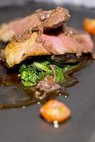 kött - grillad ländstycke foto