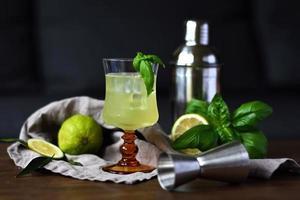 grön cocktail foto
