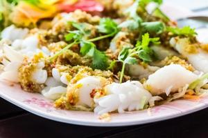 thailändsk mat skaldjur yum. foto
