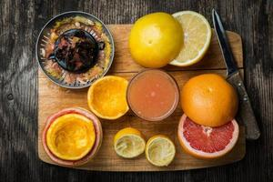 förbereda citrussaft foto