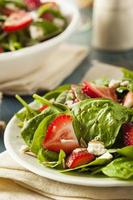 organisk hälsosam jordgubbsallad foto