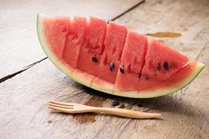 skivor färsk vattenmelon foto