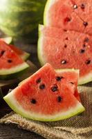 mogen hälsosam organisk vattenmelon foto