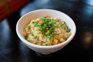 vitlök stekt ris foto