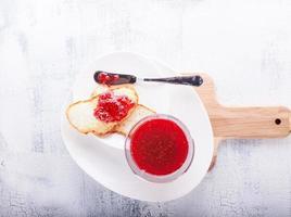 sylt på bröd foto