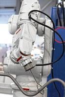 industriell automatiserad robotarm foto