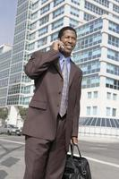 affärsman på mobiltelefon