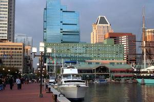 staden vid vattnet foto
