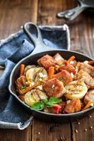 kött och grönsaker foto