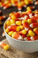 färgglada godismajs för halloween foto