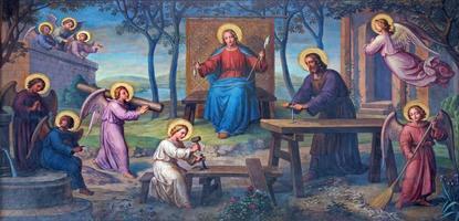 vienna - fresco av helig familj i arbetsrummet foto