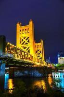 gyllene grindbrygga i Sacramento foto