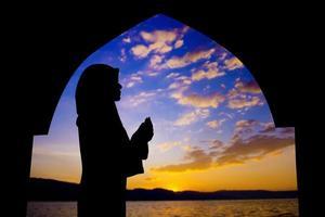 muslimsk bön foto