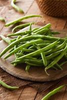 råa organiska gröna bönor
