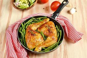 rostade kycklingben med gröna bönor